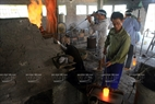 All phases of glassblowing take place near very hot kilns. Photo: Tran Thanh Giang/VNP
