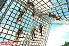 """Chướng ngại vật """"Pyramid climb"""" không dành cho những người mắc chứng sợ độ cao."""