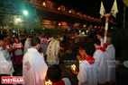 La procesión de  la cueva santa es  el ritual final de la Nochebuena.