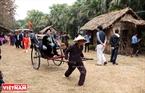 Chiếc xe tay tái hiện lại hình ảnh về một Hà Nội của thời xưa cũ.