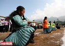 Mong people in Loong Luong (Van Ho District, Son La) play tug of war during the Independence Festival held in Moc Chau Plateau every September 2.
