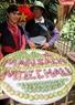 Phần trang trí mận của đội bản Pa Khen trong Ngày hội hái quả.