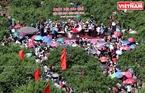 La 3e fête de cuellette de fruits se tient dans la vallée de Pa Khen attire nombreux locaux et touristes.