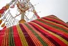 Những họa tiết truyền thống của người Mạ trên chiếc khăn thổ cẩm.