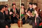 Kết thúc lễ cúng mọi người trong gia đình cùng thưởng thức rượu và thức ăn ngay tại khu bếp chính phục vụ các nghi thức tâm linh.