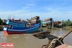 Xưởng đóng tầu tại xã Bình Thắng cung cấp rất nhiều chủng loại tầu cho bà con ngư dân vươn khơi bám biển.