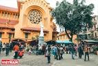 The first German Christmas market opens in Cua Bac church in Hanoi.