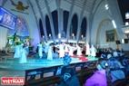 Những điệu múa kể về sự tích các thánh thần theo kinh thánh. Ảnh: Thanh Hòa