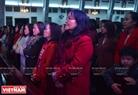 Nữ giáo dân xứ Huế trang nghiêm hành lễ trong đêm Noel. Ảnh: Thanh Hòa