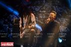 Đặc biệt, trong đêm diễn ca sĩ Tùng Dương đã thể hiện nhiều bài hát rock biến tấu độc đáo và lạ nhưng không thiếu đi sự máu lửa.