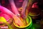 Different types of paint powders which are mixed from roses, saffron and Indian sandalwood. Photo: Tran Hieu/VNP