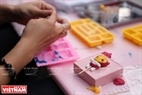 Một sản phẩm tượng của Hàn Quốc do các em nhỏ Việt Nam thực hiện.