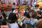 Gian hàng mỳ trộn truyền thống của Hàn Quốc luôn thu hút du khách tới thưởng thức.