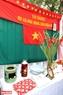 Những kỉ vật ngày cưới của 50 năm trước như: bếp dầu, phích nước, chăn công, được trưng bày trong sự kiện. Ảnh: Trần Thanh Giang.
