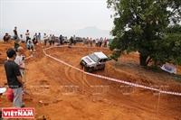 Sôi động giải đua xe ô tô địa hình VOC 2017