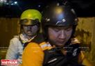救援队叫救护车或者亲自把车祸人员送到医院。