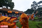 A similar ceremony to erect the pole is conducted at Long An palace. Photo: Thanh Hoa