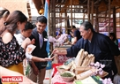ここで、ハノイの人民立ちは日本食、お茶なども体験できた。
