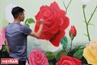 Một góc riêng dành cho những bức bích họa về hoa hồng.