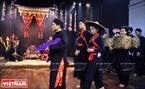 Những giai đoạn then của nghệ nhân Nguyễn Xuân Bách trong một đám cưới của người Tày.