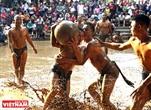La lutte pour la boule en terrain boueux  fierté du village de Vann
