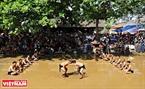云寺前人工池是进行泥球摔跤比赛的场地。