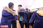 Trước khi vào phòng lạnh của quán, khách hàng phải mặc áo ấm chuyên dụng để tránh sốc nhiệt độ.
