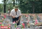 Trong vô số những ngôi mộ vẫn còn đó nhiều ngôi mộ vô danh chưa biết tên tuổi, quê quán… Ảnh: Thanh Hoà