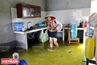 Nguyen Thi Sau's house has been flooded for 10 days.