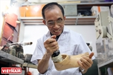 Doctor makes free artificial limbs for people with disabilities