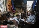 Ông Trịnh Ngọc (TP Hồ Chí Minh) là người có vinh dự được đóng giày cho rất nhiều người nổi tiếng trong và ngoài nước.