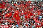 Buổi lễ trở nên sôi động ngay từ thời điểm khai mạc với sự náo nhiệt và phấn khích của đông đảo các CĐV Việt Nam trực tiếp có mặt ở sân Mỹ Đình.