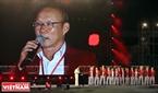 HLV Park Hang Seo - HLV trưởng đội bóng đá nam Việt Nam bày tỏ sự tiếc nuối khi không thể cùng các học trò giành tấm HCĐ tại Asiad vừa qua. Tuy nhiên ông tin tưởng vào thành công trong tương lai không xa của đội tuyển Việt Nam.