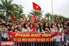 Thousands of fans in Hanoi wait for the athletes returning from the Asian Games 2018 (ASIAD).