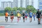 Các VĐV tham gia chạy các cự ly với tinh thần vui tươi, sôi động.