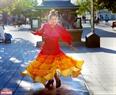 Dạo bước trên đường phố ở Canada du khách sẽ thường xuyên bắt gặp người dân với những điệu nhảy đường phố vui vẻ.