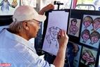 Du khách đừng quên nhờ những họa sĩ vẽ chân dung biếm họa ghi lại cho mình khoảnh khắc ở Canada.