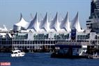 Vancouver là thành phố ấm áp nhất ở Canada, nơi đây không bị đóng băng vào mùa đông, thiên nhiên đẹp và có nhiều điểm du lịch với các danh lam thắng cảnh đặc sắc.