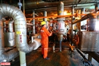 Hoạt động khai thác dầu khí tại mỏ Bạch Hổ. Năm 2018, khai thác dầu thô trong nước vượt 716 nghìn tấn so với kế hoạch. Ảnh: Hiền Anh - TTXVN phát