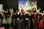 Các thầy tu nhà thờ Du Sinh (Đà Lạt) múa hát mừng Giáng sinh. Ảnh: Thanh Hòa