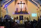 Thánh lễ đêm Noel ở nhà thờ Du Sinh, Đà Lạt. Ảnh: Thanh Hòa