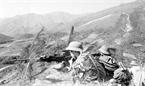 Les soldats de l'escadron No 1, du bataillon No 1, du corps de troupes No M123 de la province de Lang Son battirent des centaines d'ennemis sur la colline Khong Ten (Annonyme) les 17 et 18 février 1979. Photo : Long Son – AVI