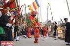 Nghi lễ rước kiệu Bố Cái đại vương Phùng Hưng về đình làng.