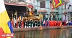 Mở đầu cho Lễ hội làng Triều Khúc, Kiệu được rước từ Đình Thờ Sắc qua hồ rồi xuống Đình Đại với những nghi lễ long trọng với sự tham gia của lượng lớn người dân trong trang phục truyền thống ngày xưa.