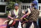 Điệu múa truyền thống được biểu diễn bởi các nghệ sĩ Nhật Bản.