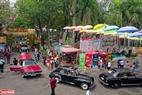"""Ngày hội xe cổ Sài Gòn lần 2 năm 2019 với chủ đề """"Vòng xe hoài niệm"""" trưng bày những chiếc xe cổ nổi tiếng trên thế giới có được sản xuất từ những năm 1960 trở về trước."""