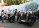 Những chiếc xe ô tô Jeep chuyên phục vụ quân đội cũng được đem đến trưng bày.