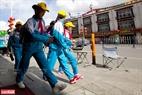 Người dân thành phố Lhasa có cuộc sống nhẹ nhàng và bình an.