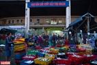 Hải sản từ các tàu sẽ được chuyển vào chợ đầu mối Thọ Quang.