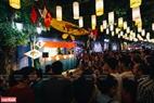 Đến với lễ hội, du khách còn được xem nghệ thuật múa rối cạn của những nghệ nhân làng Tế Tiêu.